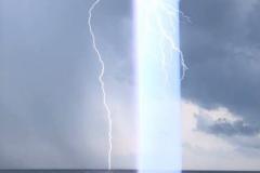 flash-light (Baunei)